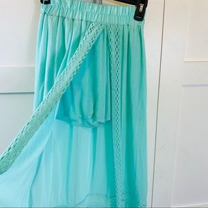 Long skort with lace skirt